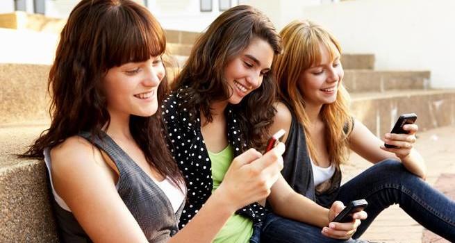 SABATO 11 GENNAIO ORE 10.30  L'amicizia ai tempi di Facebook. Insidie regole e sicurezza ai tempi dei Social Net
