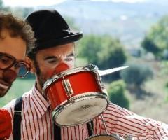 venerdì 14 novembre 2014  – RnB   Red nose Band –  trio di clown musicisti
